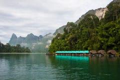 Presa en Tailandia, en la montaña Imagen de archivo libre de regalías