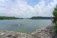 Presa enorme de la reserva de agua fotos de archivo