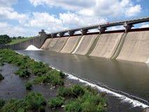 Presa hidroeléctrica Imagen de archivo libre de regalías