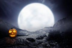 Presa-o-lanterna spettrale sulla montagna rocciosa fotografia stock libera da diritti