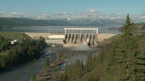 Presa y depósito hidroeléctricos del fantasma