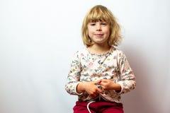 Preschool dziewczyny pracowniany portret na czystym tle obrazy royalty free