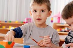preschooler мальчика стоковая фотография rf