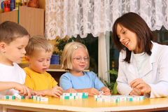 preschoolers επιστολών Στοκ φωτογραφία με δικαίωμα ελεύθερης χρήσης