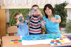 Preschoolers and fingerpainting Royalty Free Stock Images