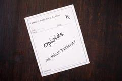 Prescripción del opiáceo - paciente en peligro fotos de archivo