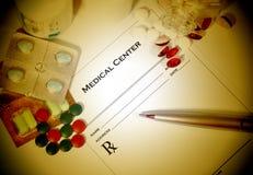 Prescripción médica con las píldoras Imágenes de archivo libres de regalías