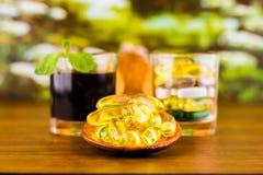 Prescription de drogue pour le médicament de traitement Médicament pharmaceutique, traitement dans le récipient pour la santé Thè Images stock