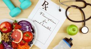 Prescription pour le r?gime de bonnes sant?s et la configuration plate d'exercice au-dessus photos libres de droits