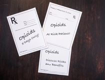Prescriptions d'Opioid avec des avertissements de prescription images libres de droits