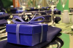 present för blå ask royaltyfri bild