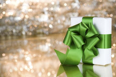 Present with green ribbon Royalty Free Stock Photography