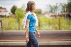 Presentación adolescente de la muchacha de la moda Fotos de archivo