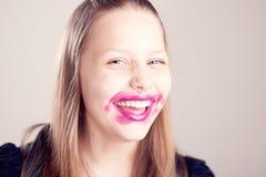 Presentación adolescente feliz de la muchacha Foto de archivo