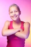 Presentación adolescente feliz de la muchacha Imagen de archivo libre de regalías