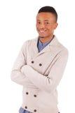 Presentación africana joven casual del hombre Imagenes de archivo