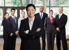 Presentación asiática confidente de la empresaria Fotografía de archivo