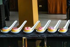Presentación de la maqueta del postre de la panadería Foto de archivo