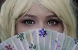 Presentación de la muchacha del participante del carácter de Cosplay Fotos de archivo