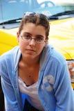 Presentación de la mujer joven Imagen de archivo libre de regalías