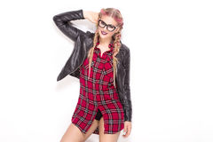 Presentación de moda joven de la muchacha Imagenes de archivo