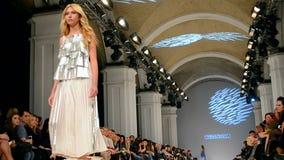 Presentación de Olga ALONOVA, semana ucraniana 2015 de la moda, almacen de video