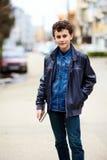 Presentación del adolescente al aire libre imagen de archivo libre de regalías