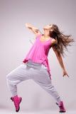 Presentación del bailarín de la mujer joven Fotografía de archivo libre de regalías