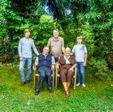 Presentación del grupo de la familia extensa Fotografía de archivo