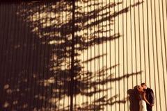 Presentación del novio y de la novia al aire libre Imagen de archivo libre de regalías
