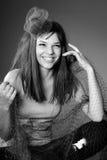 Presentación divertida caucásica de la muchacha Foto de archivo
