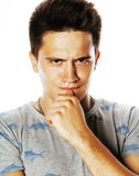 Presentación emocional del hombre hermoso joven de Brunete en el fondo blanco Imagen de archivo libre de regalías