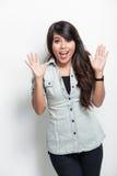 Presentación feliz de la mujer joven Fotos de archivo libres de regalías