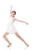 Presentación femenina asiática del bailarín Fotografía de archivo