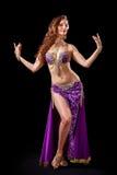 Presentación hermosa de la bailarina de la danza del vientre Foto de archivo