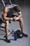 Presentación modelo masculina muscular de With Perfect Body Imagen de archivo