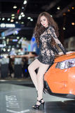 Presentador en vestido sexy en la trigésima expo internacional del motor de Tailandia el 3 de diciembre de 2013 en Bangkok, Tailan Foto de archivo libre de regalías