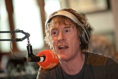 Presentatör Hector O'Heochagainin för RTE 2fm Royaltyfria Foton