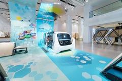 Presentatie van een nieuwe conceptenauto zonder een bestuurder Self Driving Car Volkswagen Sedric stock afbeelding