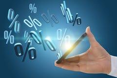 Presentatie van kortingen op de telefoon Stock Foto
