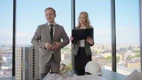 Presentation av arkitekter för aktieägare lager videofilmer