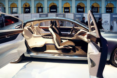 Presentation av R-designen S60 på den Volvo modeveckan Royaltyfria Bilder