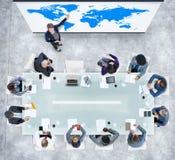 Presentation för global affär i ett modernt kontor Arkivbild