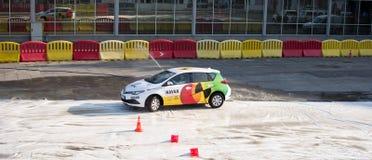 Presentation för Navak bilkörskola på Belgrade bilshow Royaltyfria Foton