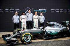 PRESENTATION 2016 FÖR SÄSONG F1 AV DET MERCEDES AMG F1 LAGET Arkivfoto