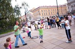 Presentatore della via a Varsavia Fotografia Stock Libera da Diritti
