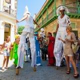 Presentatori della via che effettuano a vecchia Avana fotografia stock libera da diritti