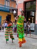 Presentatori della via a vecchia Avana il 2 ottobre immagini stock