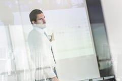 Presentazione di affari sulla riunione corporativa Immagini Stock
