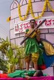 Presentazione di Onake Obavva alla parata del Karnataka Rajyotsava, Mellah Fotografia Stock Libera da Diritti